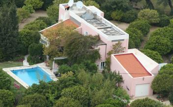 picture of vag195 Agia Galini, South Crete. 3 bedroom villa with lush garden and pool.